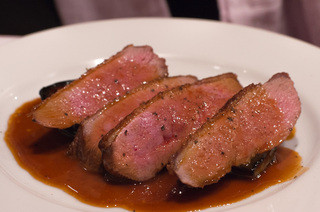 ディーバ -  6)鴨胸肉のポワレ(前菜:4種より選択)