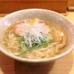 山崎麺二郎 - 料理写真: 塩らーめん (750円)  '14 4月下旬