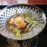 27796525 -  茶屋膳ランチコース(先付:新じゅん菜、帆立貝)¥5000@'14.5.下旬