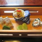 27796526 - 茶屋膳ランチコース(前菜:魳の棒寿司、栄螺酒盗和え、笹身明太子巻)