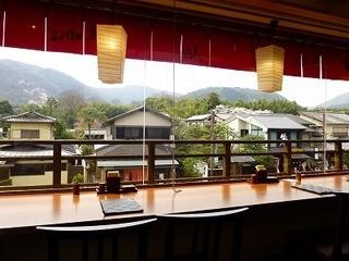 嵯峨とうふ稲 北店 -  2階カウンター席