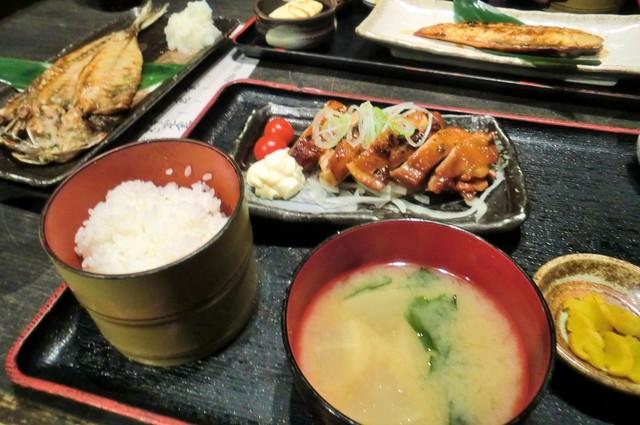 上野アメ横のひもの屋 上野アメ横店 -  鶏照焼定食