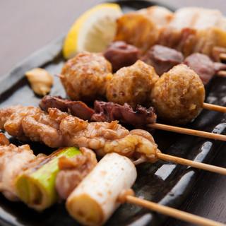 新鮮な国産地鶏を使った絶品焼き鳥!