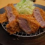 平田牧場 匠 - 平牧金華豚ヒレかつ膳 (3枚)3,000円