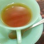 金魚CAFE - ポットサービスなのが嬉しい
