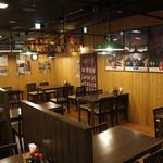 元祖 海鮮市場 えびす丸熊本総本店 - 当店の4名様用テーブル席です。並べての利用もできます