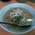 夜仲そば - チャーシュー麺