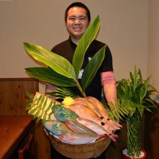 地元の海で獲れたばかりの新鮮な魚をお刺身やお寿司でご提供
