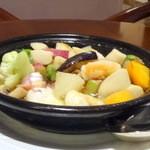 27825045 - たっぷり野菜と海の幸のココット焼き(600円+税サ)