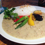 麦酒食堂 3F-22 - ホワイトココナッツカレー