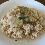 カフェ クロスロード - 鶏焼き汁スパイス炊き込みご飯と鶏グリル