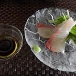 27825768 - 石川県産かんぱちの刺身とオリーブオイル醤油
