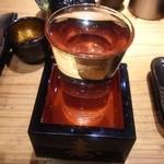鉄板神社 - 枡酒