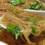 台湾麺線 - スープはとろみがあって、鰹の香りが非常に高くて美味しい