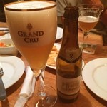 カフェ ヒューガルデン - Gran Cruは初めてだったな… 美味いわーコレ‼︎ こう言うの飲むと,日本のクラフトビールはまだまだだと…ギャフンと言わされてしまうm(_ _)m