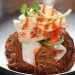 ピリ辛ピビン麺