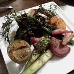 ロッソ エ ビアンコ - 有機野菜を蒸し焼きしたもの(タップナードソース)