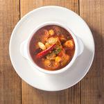 一瑳 - 鶏と野菜のピリ辛トマト煮