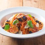 ■茄子とモッツァレラチーズのトマトソースパスタ