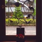 アンビエンテ - 窓のデザイン素敵でした。