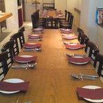 トラットリア リオコルノ - テーブルをつなげて、パーティーでのご利用も可能です。