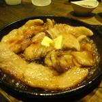豚小家 - 豚カルビのガーリックバター