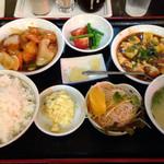 北京 - 日替り定食800円
