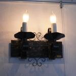 カフェ デ ルース - 壁の照明です
