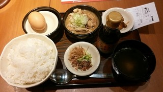 ぎんぶた 浜松町貿易センタービル店 - 絶品モツ煮込み&TKG定食¥680