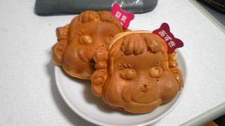 不二家 飯田橋神楽坂店 - 目が怖い。いや、全体的に怖い。