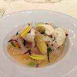 ラ・ベ - 前菜からホワイトアスパラガスのフラン 帆立のブイヨンゼリー