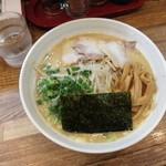 宮崎とんこつ 神楽 - とんこつ醤油ラーメン ¥650