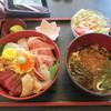 舘漁亭 - 料理写真:ランチの三陸丼セット