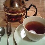 喫茶洋菓子 山葡萄 - セットの紅茶