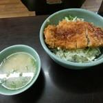 ぴくにっくらんち - ソースカツ丼(864円)