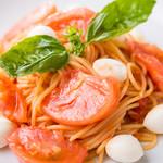 キッチン・イシガキ - フレッシュトマトとモッツァレラのパスタ