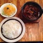 レストラン サンライズ - ビーフシチューの大!! 大きな肉がゴロゴロ。 食べ応えビッグw