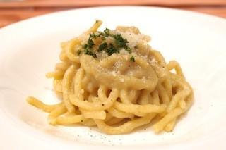 La Coccinella - May, 2014 とろとろに煮込んだ玉ネギとアンチョビのソース