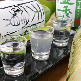 月ごとにかわる広島地酒の3酒飲み比べセット(790円)