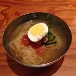 陽山道 - スープは牛、魚介+αのトリプルスープ