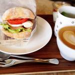 コーヒーファクトリー  - 生ハムサンドセット☆スープ、デザート付き