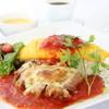 オムライス専門店 エグロン - 料理写真:パリパリチキンのチーズ焼きトマトソースオムライス