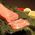 焼肉三松 - 料理写真:厳選黒毛和牛