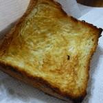 パンやきどころ RIKI - バタートースト4枚切 デニッシュ食パンのような見た目