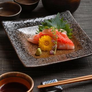 旬の食材にこだわった本格京料理をご堪能下さい。