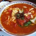 27878791 - 刀削麺(トマトと卵);トマトの赤,ぴり辛程度です @2014/06/03
