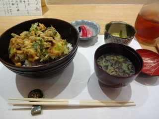 莉玖 - かき揚げ丼(970)