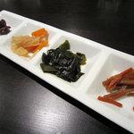 大阪純豆腐 - スンドゥブ(ライス・卵・漬物)+ミックス+チーズ 850円