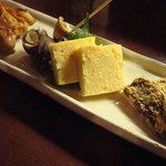 nihonryourisugawara - 生麩あべかわ 手羽先辛味焼き つぶ貝磯煮 蟹チーズ寄せ