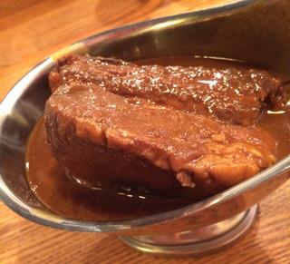 DS100%カレー - 肉厚ぶりは、圧巻。